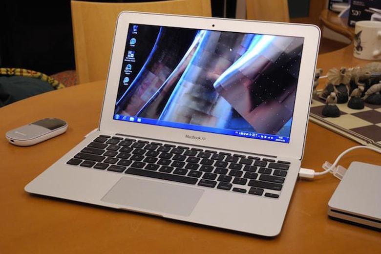 Macbook Air 11inch 2015 MJVM2