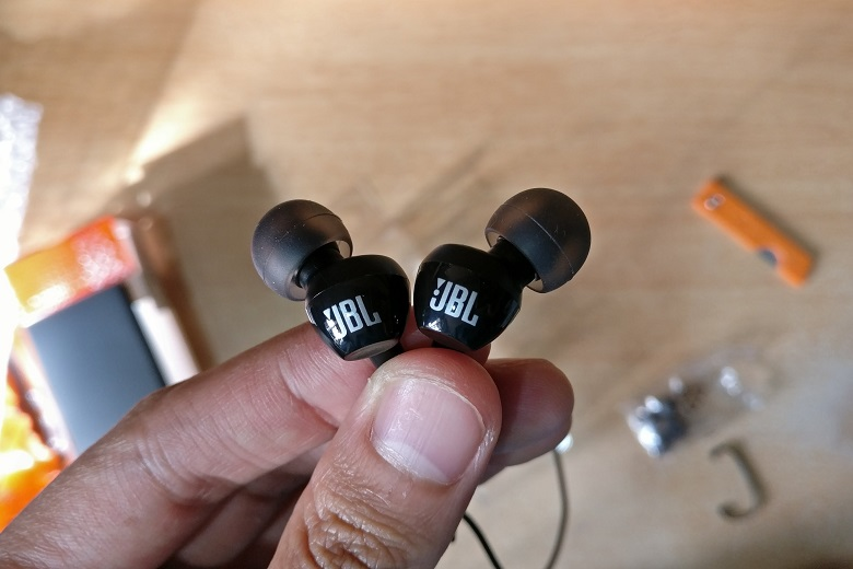 Tai nghe JBL CS150
